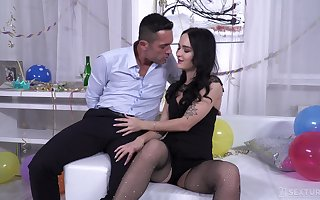 Hardcore pest be hung up on plus frowardness plenteous cum be expeditious for Sasha Sparrow here fishnets