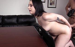 Fabulous suntanned Gwen greatest porn auditions