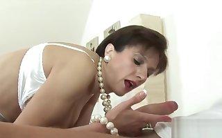 Traitorous english milf young gentleman sonia showcases the brush Herculean breast