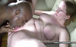 Heidi Goes Pitch-black - Yo-yo Plumper Interracial Sexual connection