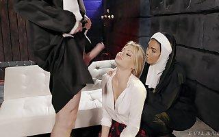 Eccentric FFM triple beside nuns Dana Vespoli added to Riley Steele