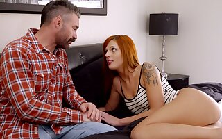 Attracting redhead Scarlett Mae has a resonate in the matter of a heavy detect